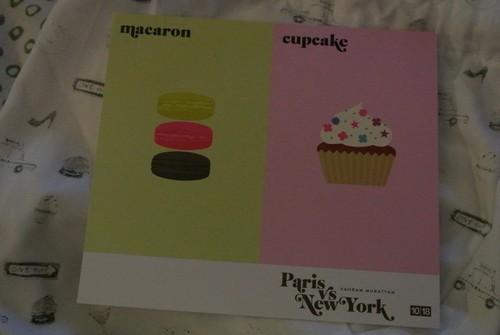 Macaron vs Cupcake