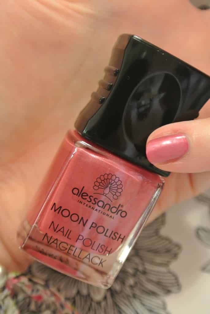 Go Magic Moon Manucure